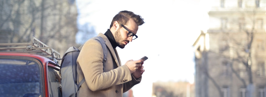 man responding to sms marketing guide
